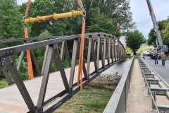Geh- und Radbrücke Bogen über die Staatsstraße St 2139  in Bärndorf