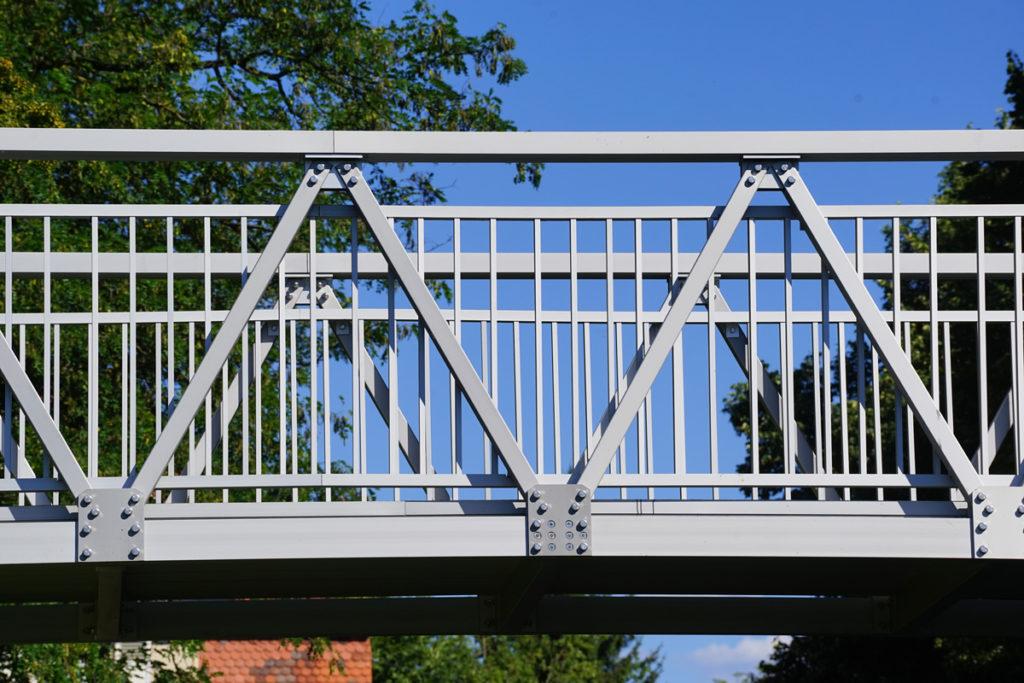 Aluminiumbrücke aus eloxiertem Aluminium